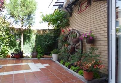 Casa pareada en Quintanilla Vivar