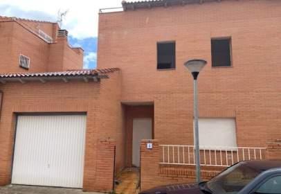 Casa aparellada a calle Zamora
