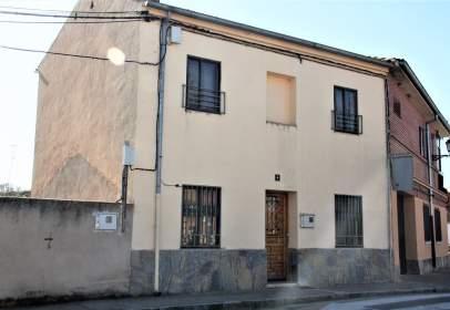 Casa pareada en calle de Carretera de Pinillos, Cantimpalos, nº 6