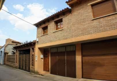 Casa pareada en calle Eras Altas