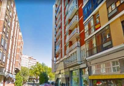 Apartment in Paseo de Zorrilla, near Calle de Gabilondo