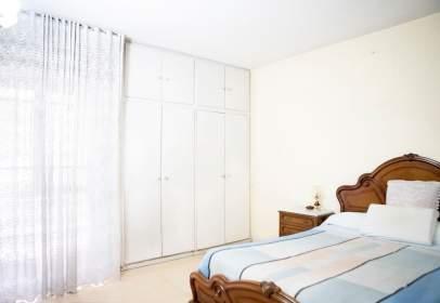 Casa pareada en calle de Eduardo Barreiros, Madrid, nº 35