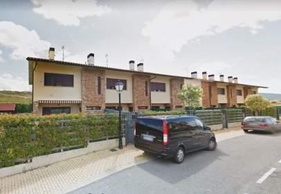 Casa aparellada a calle El Arenal