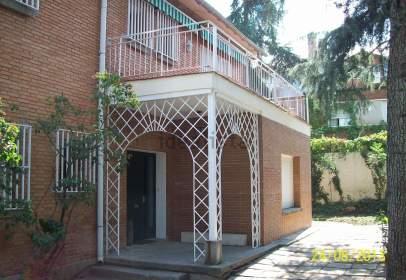 Casa en calle de Estanislao Gómez, cerca de Calle de Villamiel de Cáceres