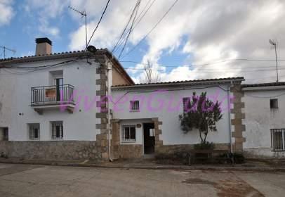 Casa pareada en calle Escaleruelas, nº 8