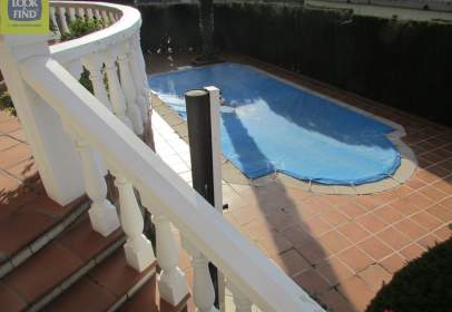 Casa adosada en El Pilar - La Estación