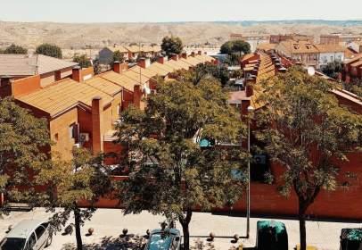 Piso en calle de Jerónimo del Moral, cerca de Camino Buzanca