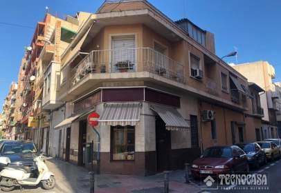 Casa en calle de Jaime Segarra, cerca de Calle del Doctor Bergez