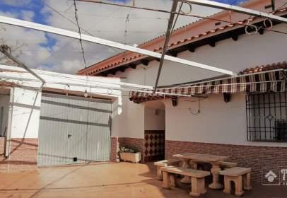 Casa pareada en Cortes y Graena
