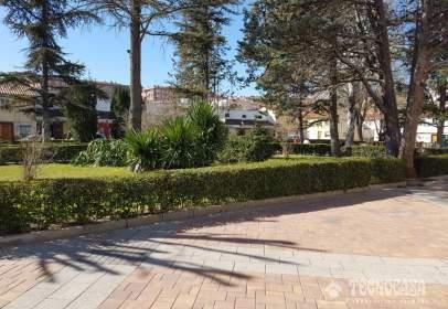Casa adossada a Avenida de los Reyes Católicos-Paseo de San Antonio