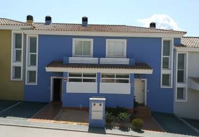 Casa adossada a calle del Marge