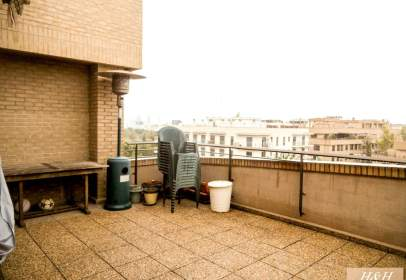 Penthouse in Zona Campus Universitari
