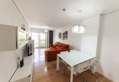 Apartment in Avenida de Marcelo Celayeta, near Grupo de Oscoz
