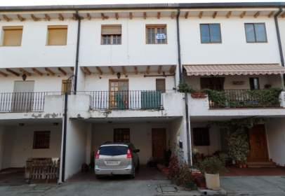 Casa adossada a calle Alcalde Baldomero Redondo, nº 10