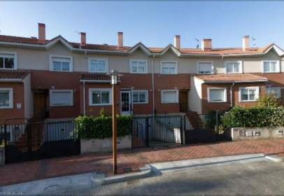 Chalet en calle Cortes de Castilla