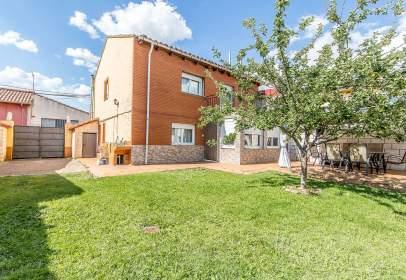 House in Mansilla de Las Mulas