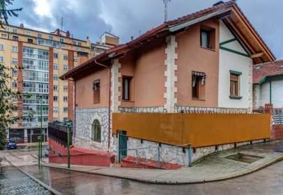Casa adossada a calle Pisones, nº 37