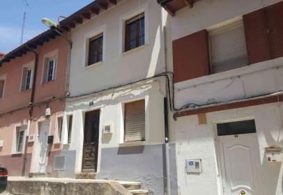 Casa adosada en calle La Camposa, nº 28