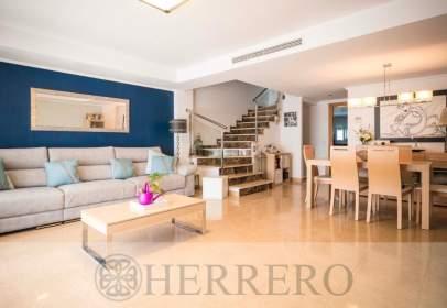 Casa adossada a calle Mestre Villar Del, nº 3