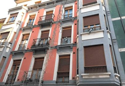 Dúplex en calle Salustio Regueral