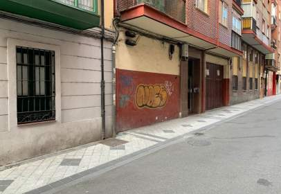 Commercial space in calle Loza