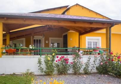 Casa en Arganza