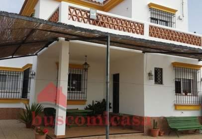 Casa aparellada a Urbanización La Rivera