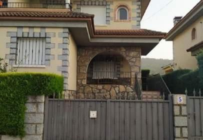 Casa pareada en Higuera de Las Dueñas