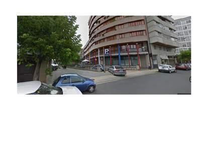 Garatge a calle Ramón Cabanillas, nº 9