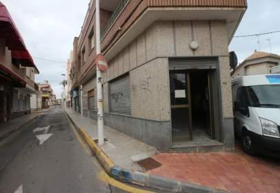 Local comercial a calle Antonio Tárraga