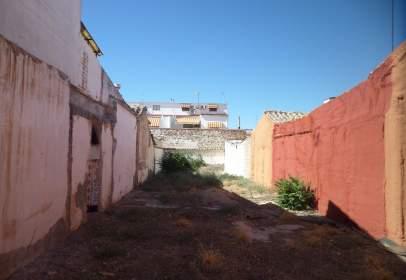 Terreno en Por calle Don Victor/ Proximo Al Colegio