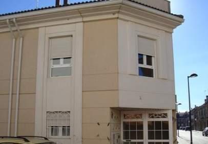 Casa adosada en calle Fernando El Catolico