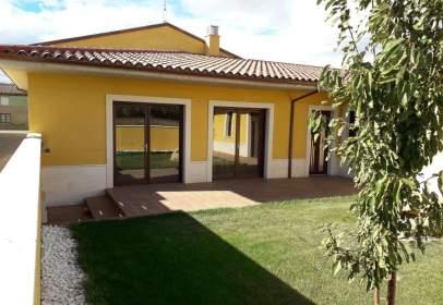 Casa unifamiliar en Esla - Campos - Villamandos
