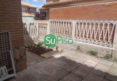 Casa en calle Illescas