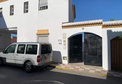 Casa en calle Miguel Hernandez
