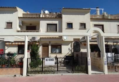 Casa en Avenida Guardamar