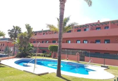 Apartamento en Urbanización Marina Tropical