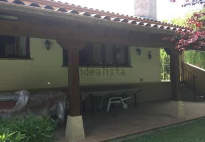 Chalet in Urbanización Ultzama