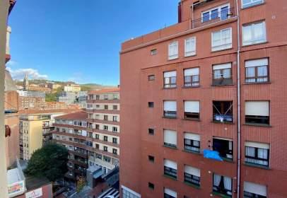 Piso en calle Iturribide, cerca de Calle Zabalbide