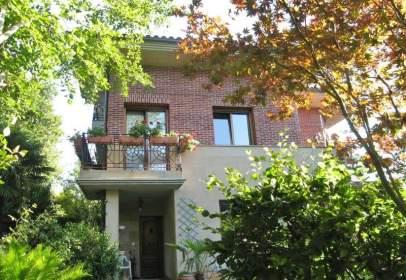 Casa adosada en calle de Belitz
