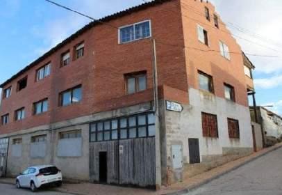 Industrial building in calle del Arroyo, 3