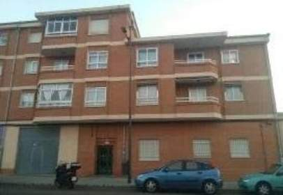 Flat in calle de Peñausende, nº 2