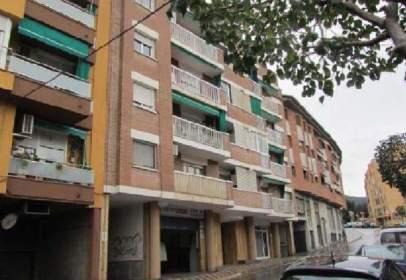 Garatge a calle Mare de Deu de Montserrat (De La), nº 3