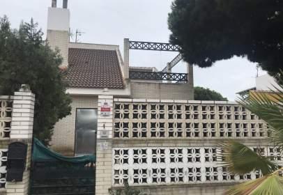 House in Avenida de Santa Clara, nº 18
