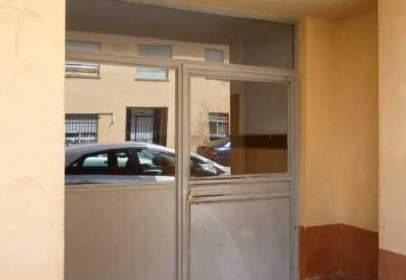 Pis a calle Calderon de La Barca, nº 24
