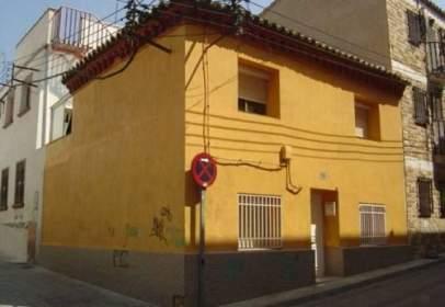 Casa adosada en calle Tiro, nº 14