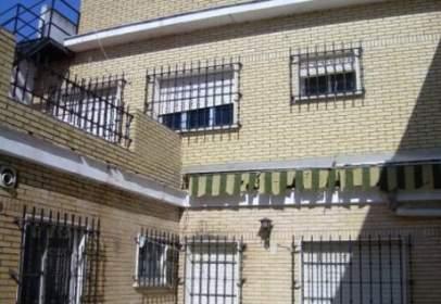 House in Tiro de Línea