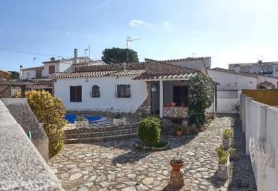 House in Carrer de les Oliveres