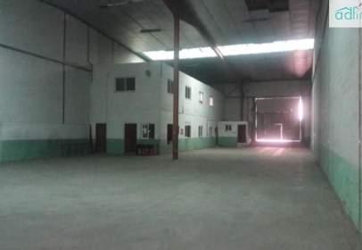 Industrial building in calle de Montefrío