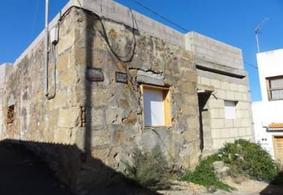 Casa en calle Agustin Angel Garcia